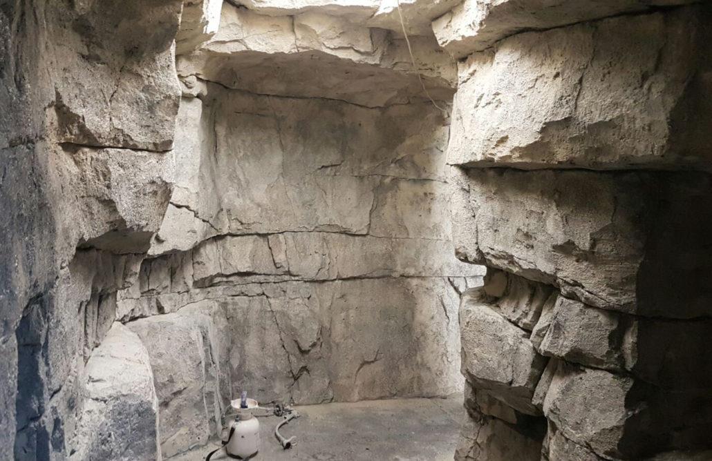 Rotsmuren doorgang